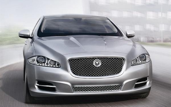 Jaguar XJ Sentinel