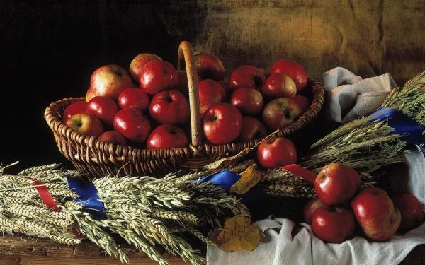 Корзина яблук