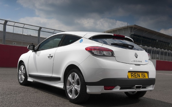 Renault Unveils